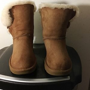Women's UGG Bailey Buttons #1016226 Size 6
